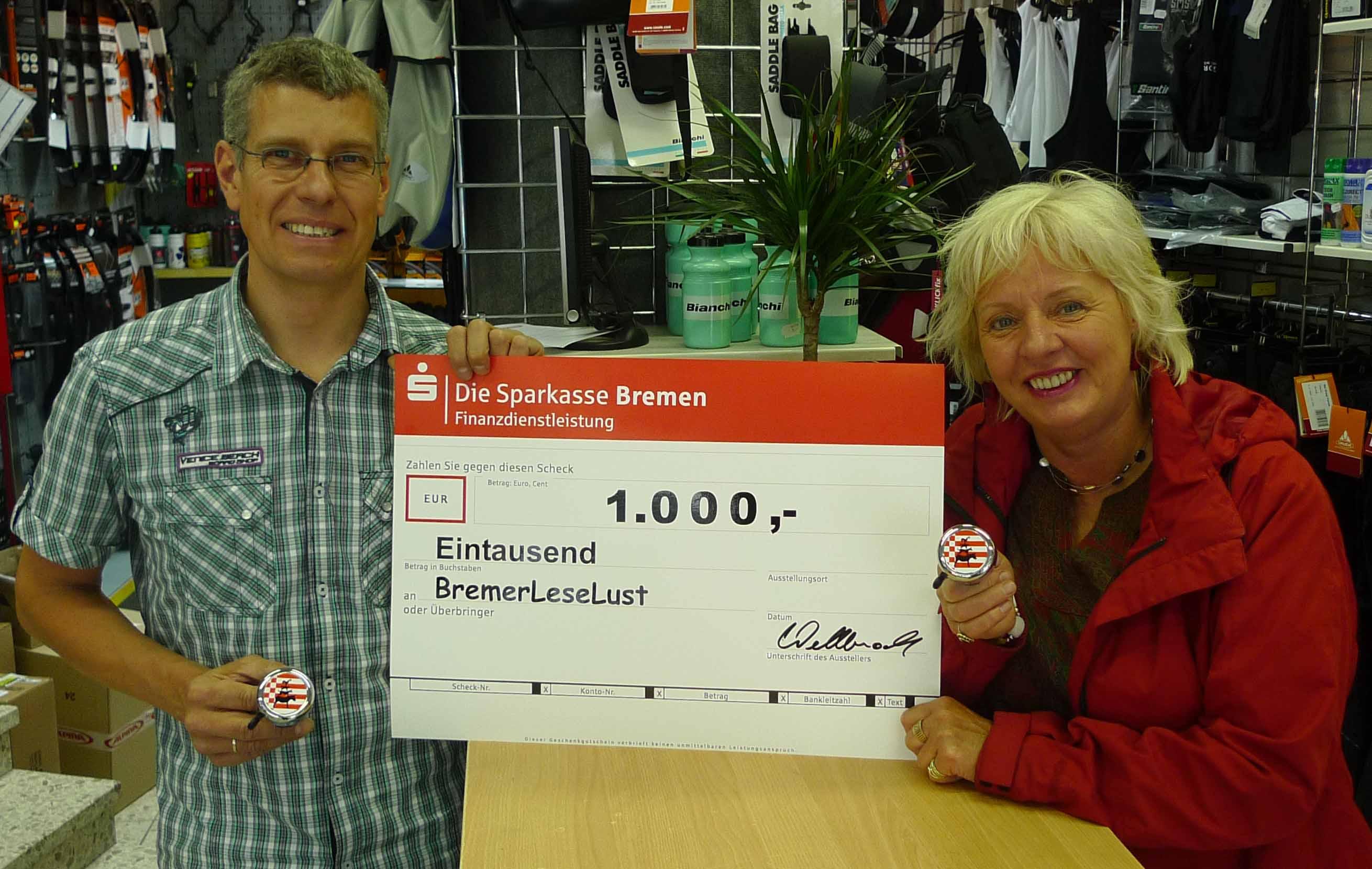 Bremen on Tour Fahrrad Klingen Spendenübergabe